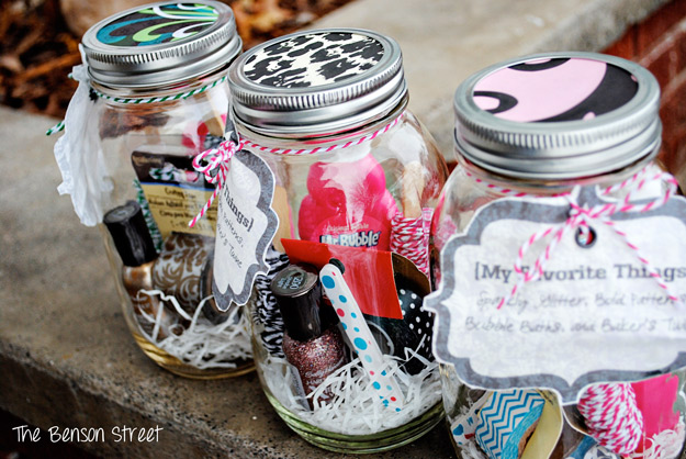 Mason Jar Valentine Gifts and Crafts   DIY Ideas for Valentines Day for Cute Gift Giving and Decor   Favorite Things in a Mason Jar Gift Idea   #valentines
