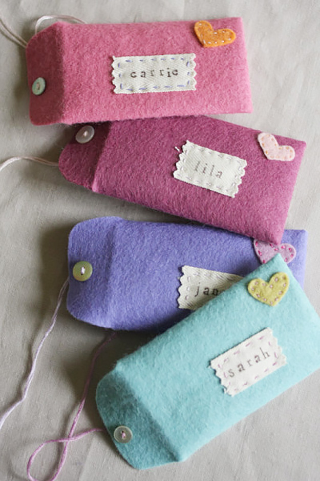 76 Crafts To Make and Sell - Easy DIY Ideas for Cheap Things To Sell on Etsy, Online and for Craft Fairs. Make Money with These Homemade Crafts for Teens, Kids, Christmas, Summer, Mother's Day Gifts. | Felt Envelopes #crafts #diy