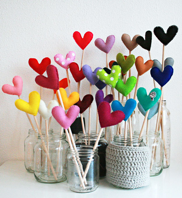 Mason Jar Valentine Gifts and Crafts | DIY Ideas for Valentines Day for Cute Gift Giving and Decor | Felt Forest Hearts | http://diyjoy.com/mason-jar-valentine-crafts