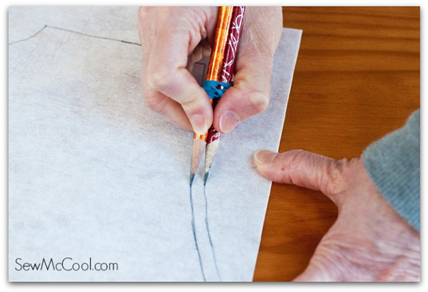 Sewing Hacks | Best Tips and Tricks for Sewing Patterns, Projects, Machines, Hand Sewn Items. Clever Ideas for Beginners and Even Experts | Use 2 Pencils when Tracing Ottobre Patterns