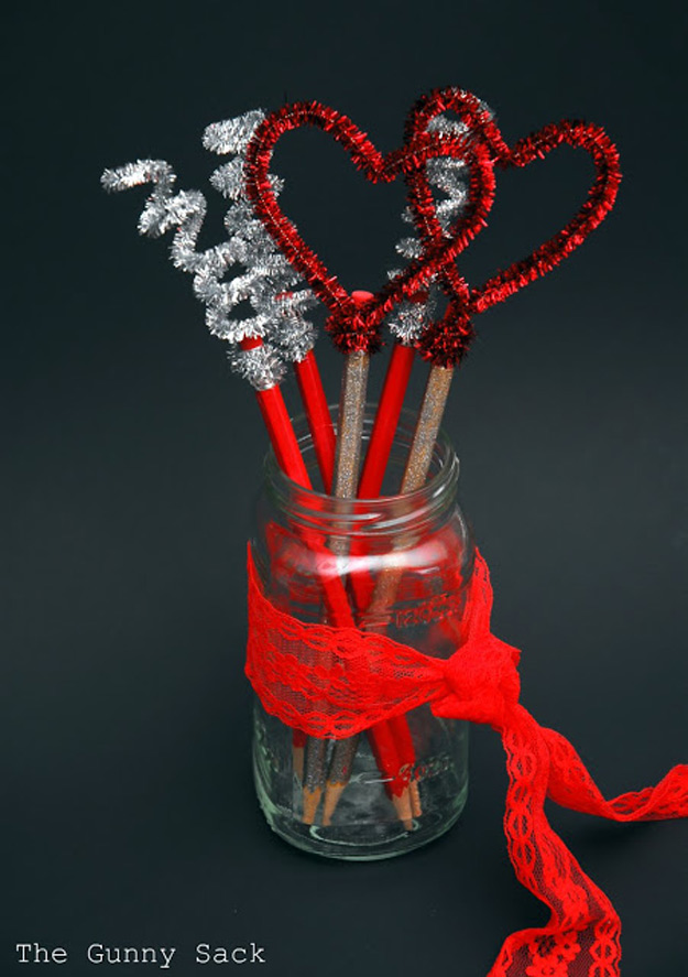Mason Jar Valentine Gifts and Crafts | DIY Ideas for Valentines Day for Cute Gift Giving and Decor | Valentines Day Pencil Toppers | http://diyjoy.com/mason-jar-valentine-crafts