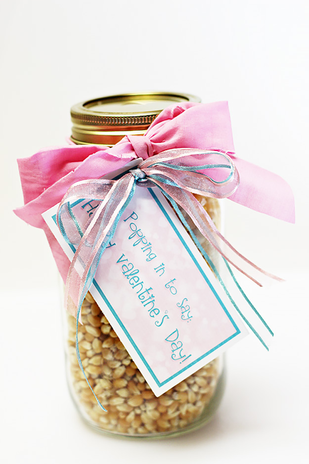 Mason Jar Valentine Gifts and Crafts | DIY Ideas for Valentines Day for Cute Gift Giving and Decor | Valentines Gift Popcorn in a Jar | http://diyjoy.com/mason-jar-valentine-crafts