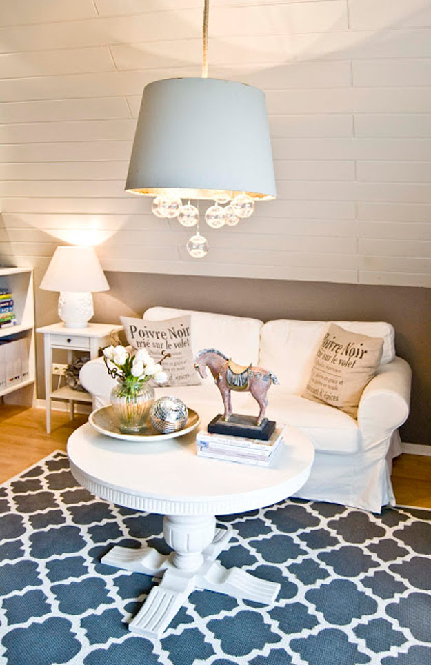 DIY Furniture Store KnockOffs - Do It Yourself Furniture Projects Inspired by Pottery Barn, Restoration Hardware, West Elm. Tutorials and Step by Step Instructions | West Elm Inspired Rugs #diyfurniture #diyhomedecor #copycats