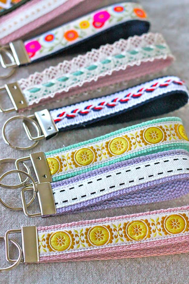 76 Crafts To Make and Sell - Easy DIY Ideas for Cheap Things To Sell on Etsy, Online and for Craft Fairs. Make Money with These Homemade Crafts for Teens, Kids, Christmas, Summer, Mother's Day Gifts. | Wristlet Key Fob #crafts #diy