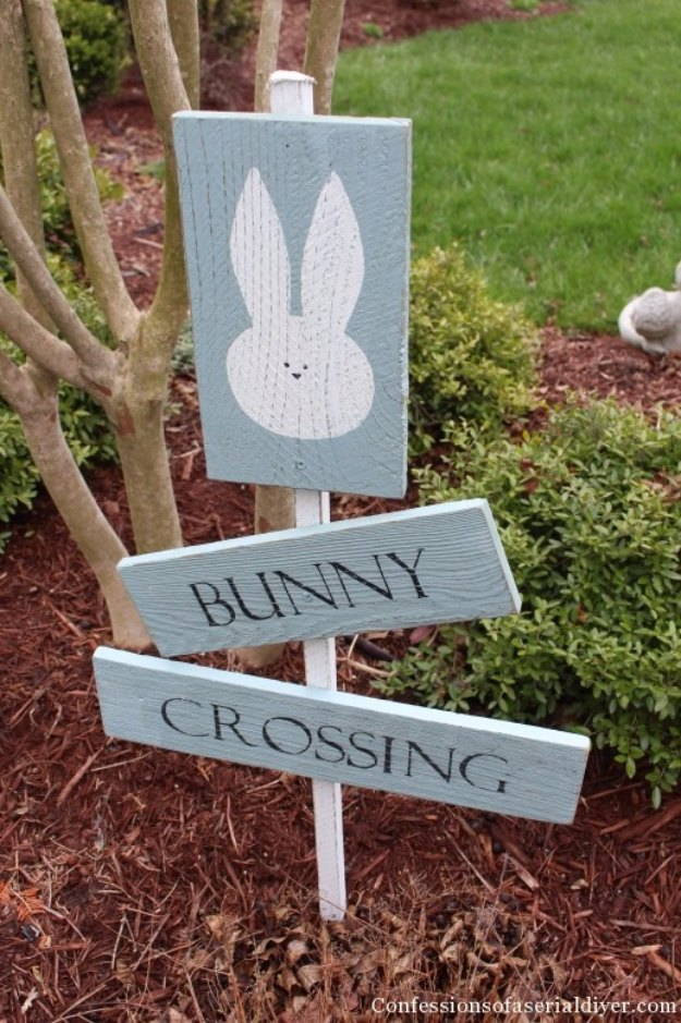 DIY Easter Decorations - Decor Ideas for the Home and Table - DIY Bunny Crossing Sign - Cute Easter Wreaths, Cheap and Easy Dollar Store Crafts for Kids. Vintage and Rustic Centerpieces and Mantel Decorations.