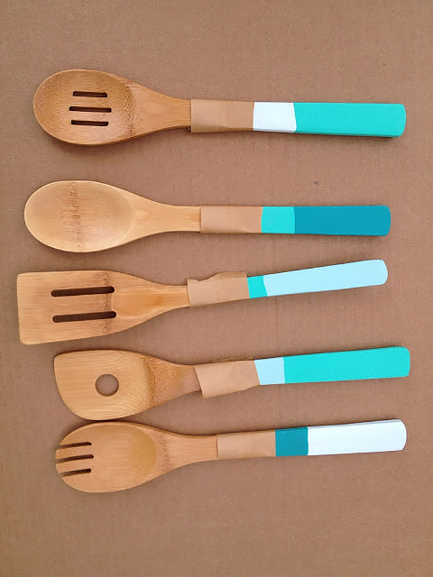 Expensive Looking DIY Wedding Gift Ideas - DIY Ombre Spoons - Easy and Unique Homemade Gift Ideas for Bride and Groom - Cheap Presents You Can Make for the Couple- for the Home, From The Kids, Personalized Ideas for Parents and Bridesmaids | http://diyjoy.com/cheap-diy-wedding-gifts