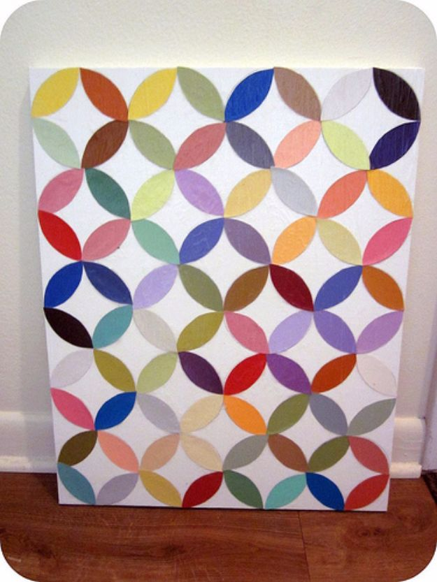 DIY Wall Art Ideas and Do It Yourself Wall Decor for Living Room, Bedroom, Bathroom, Teen Rooms | DIY Intersecting Circles Wall Art | Cheap Ideas for Those On A Budget. Paint Awesome Hanging Pictures With These Easy Step By Step Tutorial