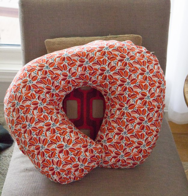 DIY Baby Gifts - DIY Nursing Pillow and Slipcover - Homemade Baby Shower Presents and Creative, Cheap Gift Ideas for Boys and Girls - Unique Gifts for the Mom and Dad to Be - Blankets, Baskets, Burp Cloths and Easy No Sew Projects #diybaby #babygifts #babyshower