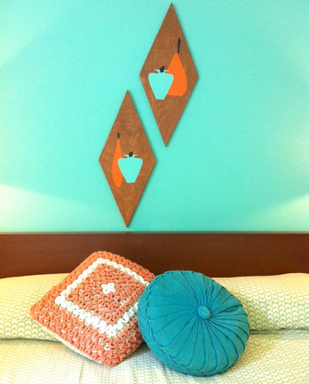 DIY Wall Art Ideas and Do It Yourself Wall Decor for Living Room, Bedroom, Bathroom, Teen Rooms | DIY Retro Wood Wall Art | Cheap Ideas for Those On A Budget. Paint Awesome Hanging Pictures With These Easy Step By Step Tutorial
