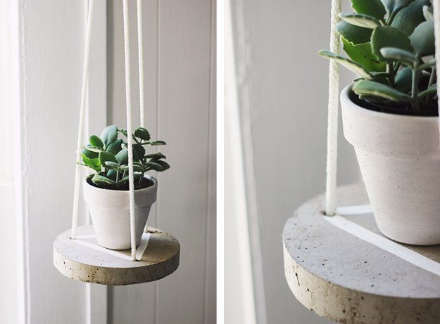 43 DIY concrete crafts - DIY Round Concrete Hanging Planter- Cheap and creative projects and tutorials for countertops and ideas for floors, patio and porch decor, tables, planters, vases, frames, jewelry holder, home decor and DIY gifts. http://diyjoy.com/diy-concrete-crafts-projects