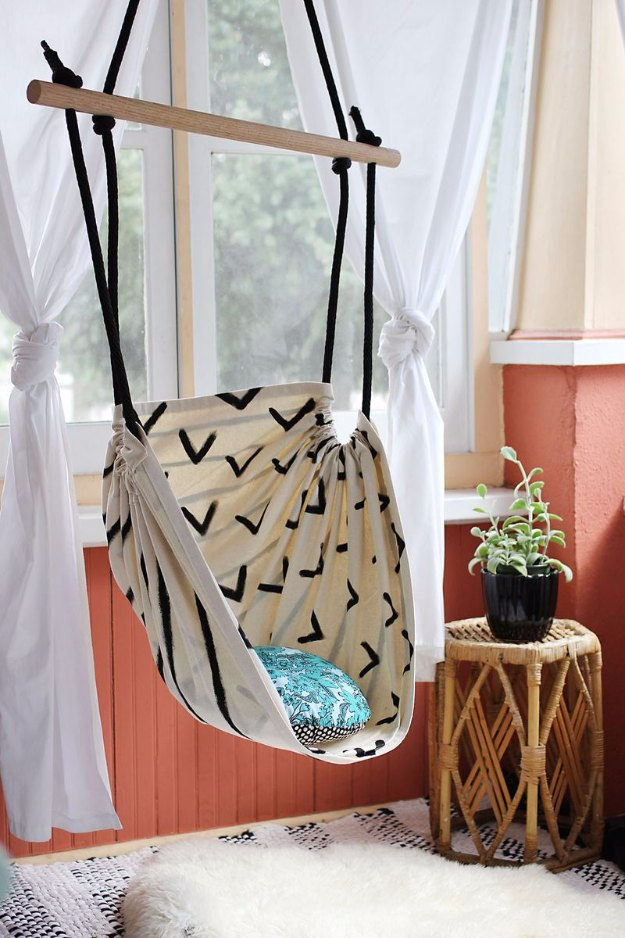 Sewing Projects for The Home - Hammock Chair DIY - Free DIY Sewing Patterns, Easy Ideas and Tutorials for Curtains, Upholstery, Napkins, Pillows and Decor #homedecor #diy #sewing