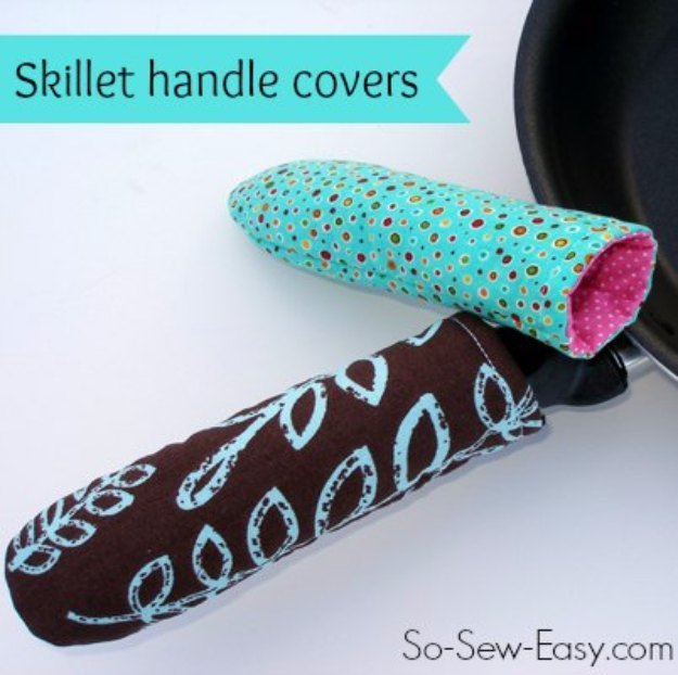 Sewing Projects for The Home - Hot Pan or Skillet Handle Cover - Free DIY Sewing Patterns, Easy Ideas and Tutorials for Curtains, Upholstery, Napkins, Pillows and Decor #homedecor #diy #sewing