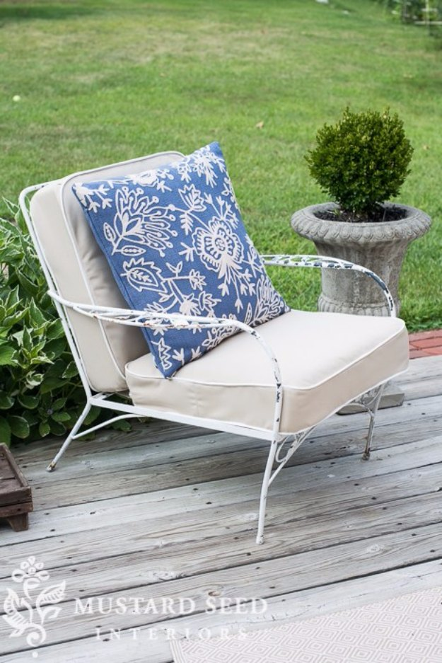 Sewing Projects for The Home - How to Make a Chair Cushion - Free DIY Sewing Patterns, Easy Ideas and Tutorials for Curtains, Upholstery, Napkins, Pillows and Decor #homedecor #diy #sewing