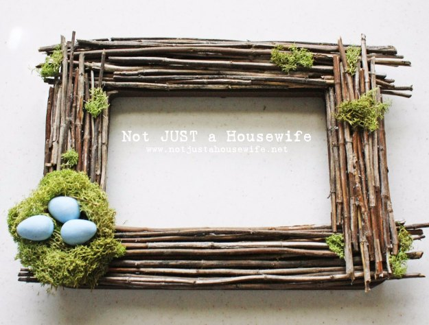 DIY Easter Decorations - Decor Ideas for the Home and Table - Point Of View Easter Project - Cute Easter Wreaths, Cheap and Easy Dollar Store Crafts for Kids. Vintage and Rustic Centerpieces and Mantel Decorations.