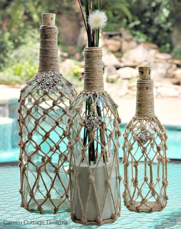 Wine Bottle DIY Crafts - Wine Bottle Rope - Projects for Lights, Decoration, Gift Ideas, Wedding, Christmas. Easy Cut Glass Ideas for Home Decor on Pinterest