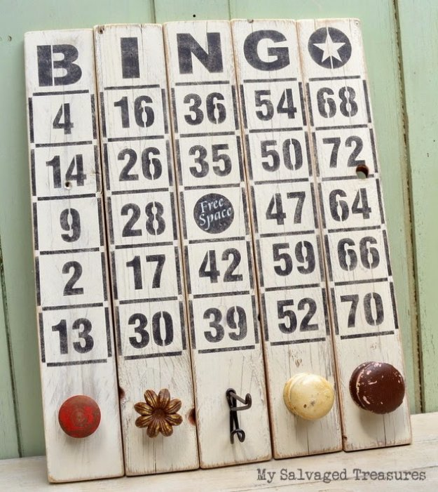 DIY Pallet sign Ideas -Bingo Wood Pallet Sign- Upcycled Pallet Art Cool Homemade Wall Art Ideas and Pallet Signs for Bedroom, Living Room, Patio and Porch. Creative Rustic Decor Ideas on A Budget