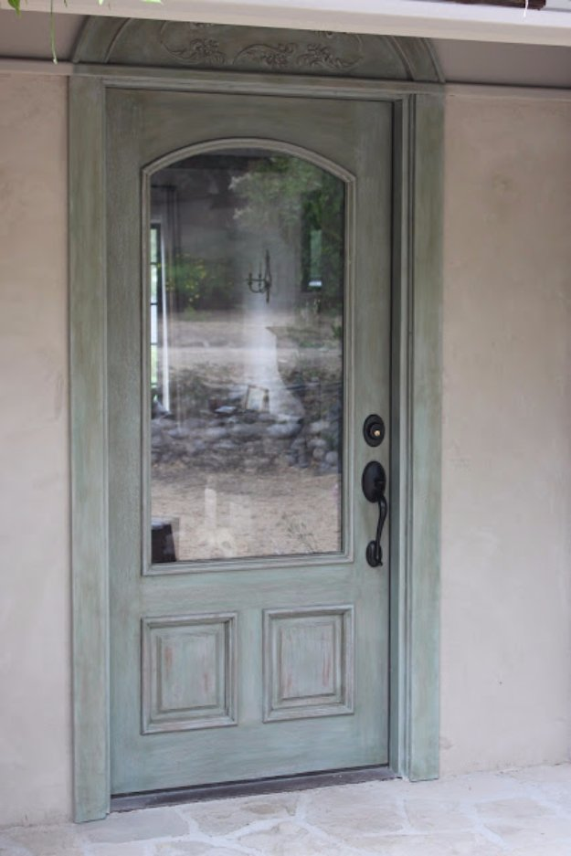 DIY Chalk Paint Furniture Ideas With Step By Step Tutorials - Chalk Paint Front Door - How To Make Distressed Furniture for Creative Home Decor Projects on A Budget - Perfect for Vintage Kitchen, Dining Room, Bedroom, Bath #diyideas #diyfurniture