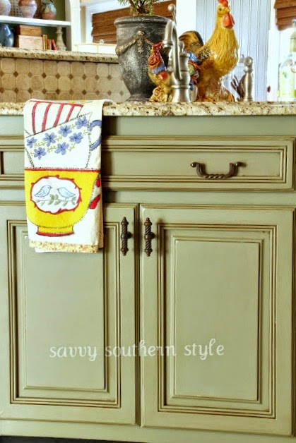 DIY Chalk Paint Furniture Ideas With Step By Step Tutorials - Chalk Paint Kitchen Cabinets - How To Make Distressed Furniture for Creative Home Decor Projects on A Budget - Perfect for Vintage Kitchen, Dining Room, Bedroom, Bath #diyideas #diyfurniture