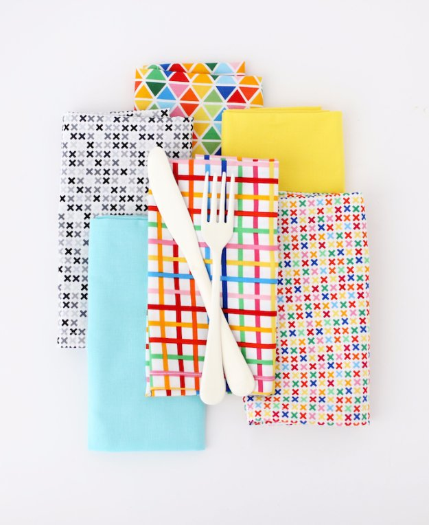 Easy Sewing Projects to Sell - DIY Dinner Napkins With Mitered Corners - DIY Sewing Ideas for Your Craft Business. Make Money with these Simple Gift Ideas, Free Patterns #sewing #crafts