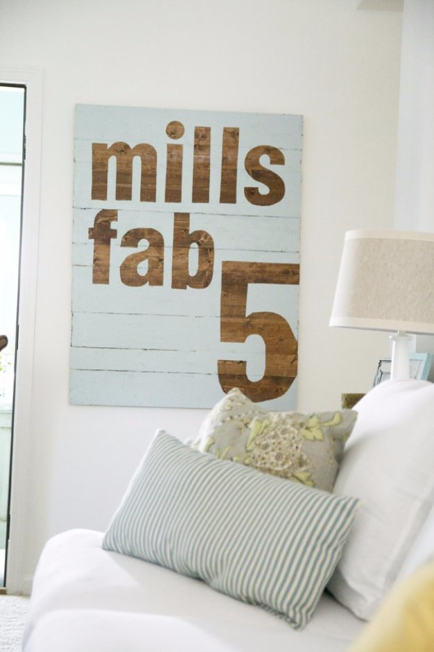 DIY Pallet sign Ideas - DIY Fab 5 Sign - Upcycled Pallet Art Cool Homemade Wall Art Ideas and Pallet Signs for Bedroom, Living Room, Patio and Porch. Creative Rustic Decor Ideas on A Budget