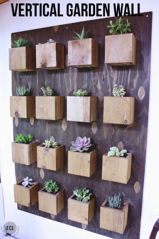 Succulents Crafts and DIY Projects - DIY Garden Succulent Wall - How To Make Fun, Beautiful and Cool Succulent Cactus Wedding Favors, Centerpieces, Mason Jar Ideas, Flower Pots and Decor #crafts #succulents #gardening
