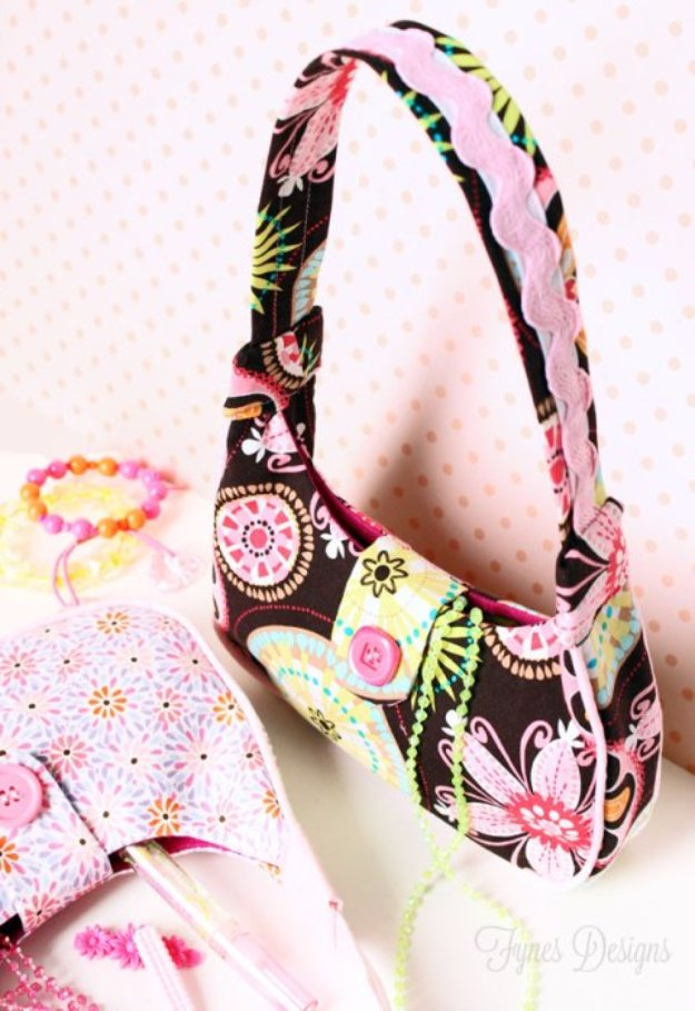 Best Sewing Projects to Make For Girls - DIY Girl's Purse - Creative Sewing Tutorials for Baby Kids and Teens - Free Patterns and Step by Step Tutorials for Dresses, Blouses, Shirts, Pants, Hats and Bags - Easy DIY Projects and Quick Crafts Ideas http://diyjoy.com/cute-sewing-projects-for-girls