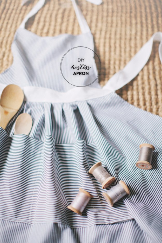 Easy Sewing Projects to Sell - DIY Hostess Apron - DIY Sewing Ideas for Your Craft Business. Make Money with these Simple Gift Ideas, Free Patterns #sewing #crafts