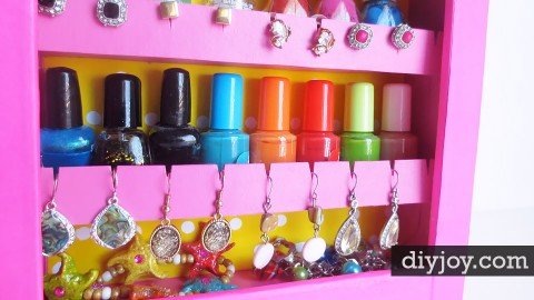 DIY Jewelry Organizer | DIY Joy Projects and Crafts Ideas