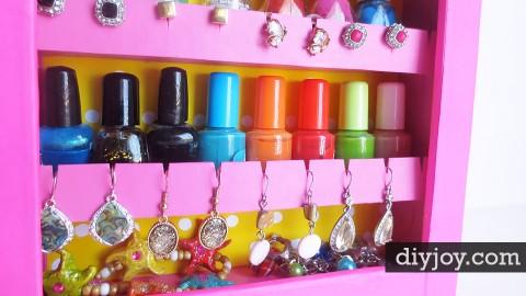 DIY Jewelry Organizer | DIY Joy Projects and Crafts Ideas