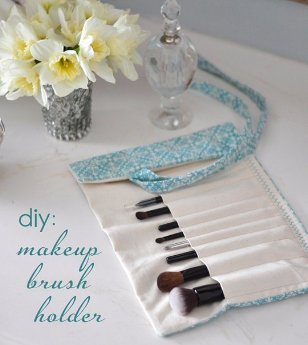 Easy Sewing Projects to Sell - DIY Make-Up Brush Holder - DIY Sewing Ideas for Your Craft Business. Make Money with these Simple Gift Ideas, Free Patterns #sewing #crafts