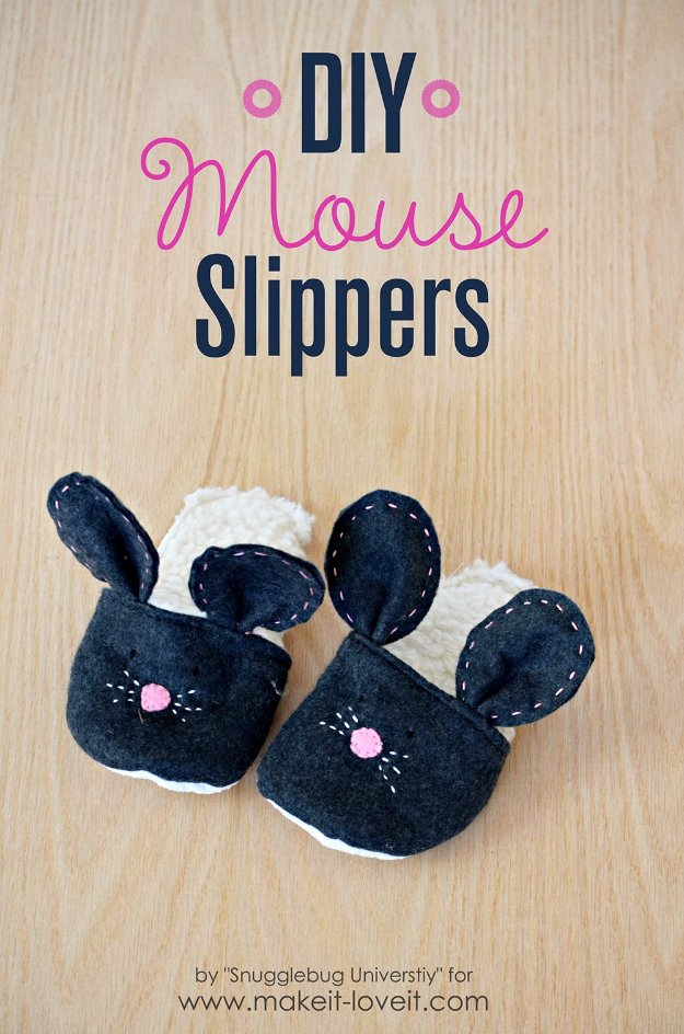 DIY Sewing Gift Ideas for Adults and Kids, Teens, Women, Men and Baby - DIY Mouse Slippers - Cute and Easy DIY Sewing Projects Make Awesome Presents for Mom, Dad, Husband, Boyfriend, Children #sewing #diygifts #sewingprojects