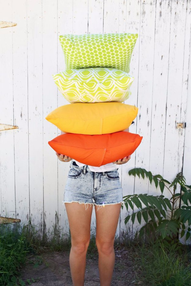 Easy Sewing Projects to Sell - DIY Outdoor Pillows - DIY Sewing Ideas for Your Craft Business. Make Money with these Simple Gift Ideas, Free Patterns #sewing #crafts