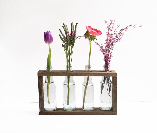 DIY Pallet Furniture Ideas - DIY Pallet Bottle Vase Holder - Best Do It Yourself Projects Made With Wooden Pallets - Indoor and Outdoor, Bedroom, Living Room, Patio. Coffee Table, Couch, Dining Tables, Shelves, Racks and Benches