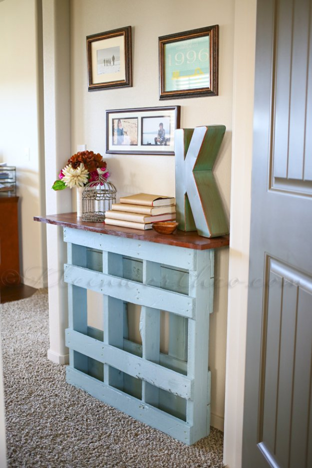 DIY Pallet Furniture Ideas - DIY Pallet Console Table - Best Do It Yourself Projects Made With Wooden Pallets - Indoor and Outdoor, Bedroom, Living Room, Patio. Coffee Table, Couch, Dining Tables, Shelves, Racks and Benches