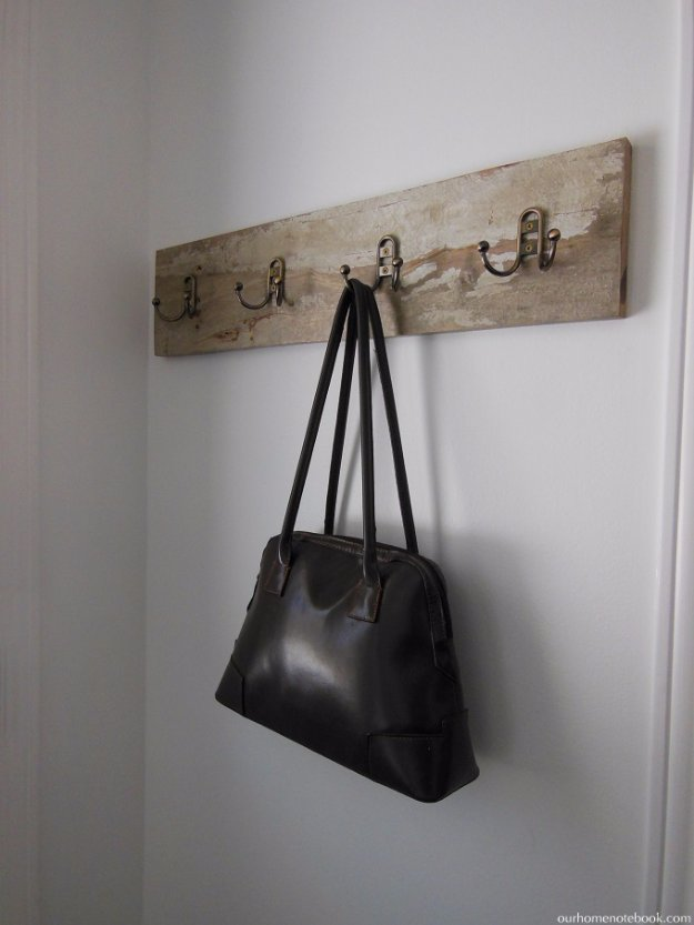 DIY Pallet Furniture Ideas - DIY Pallet FRront Entry Wall Hooks - Best Do It Yourself Projects Made With Wooden Pallets - Indoor and Outdoor, Bedroom, Living Room, Patio. Coffee Table, Couch, Dining Tables, Shelves, Racks and Benches