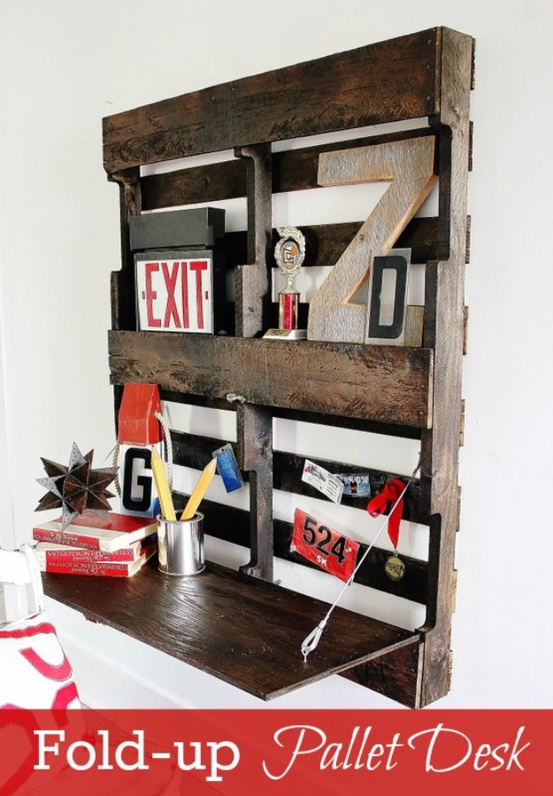 DIY Pallet Furniture Ideas - DIY Pallet Fold up Desk - Best Do It Yourself Projects Made With Wooden Pallets - Indoor and Outdoor, Bedroom, Living Room, Patio. Coffee Table, Couch, Dining Tables, Shelves, Racks and Benches