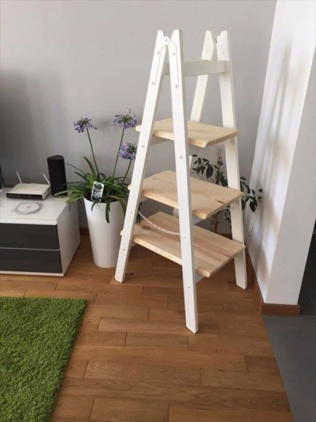 DIY Pallet Furniture Ideas - DIY Pallet Ladder Shelf - Best Do It Yourself Projects Made With Wooden Pallets - Indoor and Outdoor, Bedroom, Living Room, Patio. Coffee Table, Couch, Dining Tables, Shelves, Racks and Benches