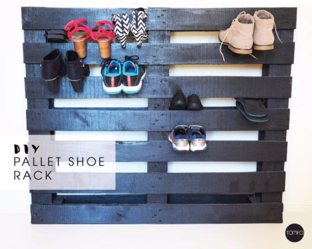DIY Pallet Furniture Ideas - DIY Pallet Shoe Rack - Best Do It Yourself Projects Made With Wooden Pallets - Indoor and Outdoor, Bedroom, Living Room, Patio. Coffee Table, Couch, Dining Tables, Shelves, Racks and Benches