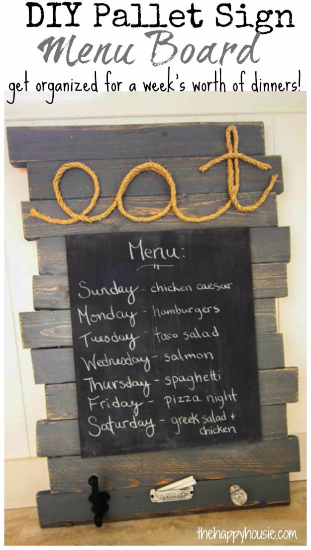 DIY Pallet sign Ideas -DIY Pallet Sign Menu Board- Upcycled Pallet Art Cool Homemade Wall Art Ideas and Pallet Signs for Bedroom, Living Room, Patio and Porch. Creative Rustic Decor Ideas on A Budget