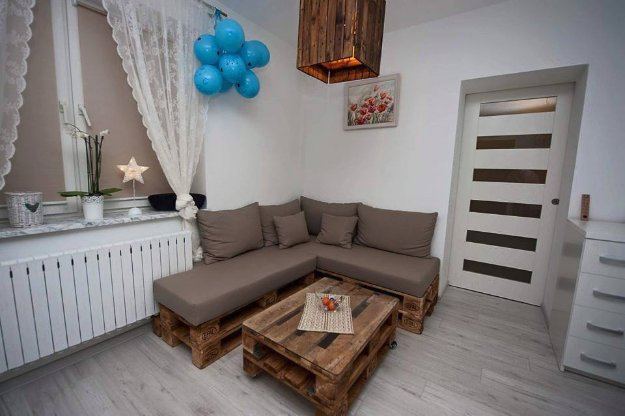 DIY Pallet Furniture Ideas - DIY Pallet Upholstered Sectional Sofa - Best Do It Yourself Projects Made With Wooden Pallets - Indoor and Outdoor, Bedroom, Living Room, Patio. Coffee Table, Couch, Dining Tables, Shelves, Racks and Benches