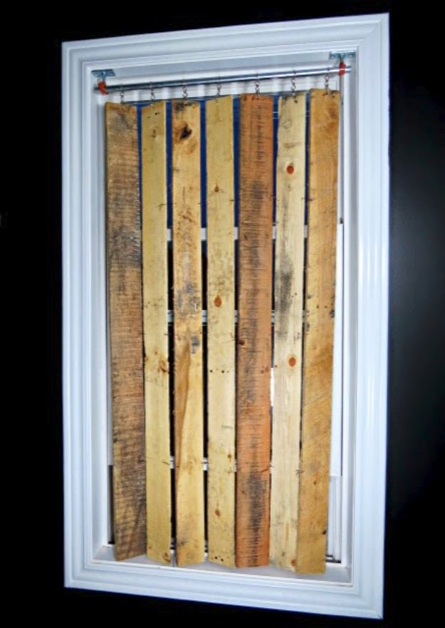 DIY Pallet Furniture Ideas - DIY Pallet Vertical Blinds - Best Do It Yourself Projects Made With Wooden Pallets - Indoor and Outdoor, Bedroom, Living Room, Patio. Coffee Table, Couch, Dining Tables, Shelves, Racks and Benches