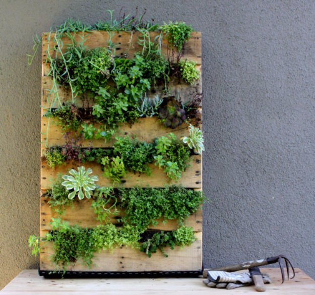 DIY Pallet Furniture Ideas - DIY Pallet Vertical Planter - Best Do It Yourself Projects Made With Wooden Pallets - Indoor and Outdoor, Bedroom, Living Room, Patio. Coffee Table, Couch, Dining Tables, Shelves, Racks and Benches http://diyjoy.com/diy-pallet-furniture-projects