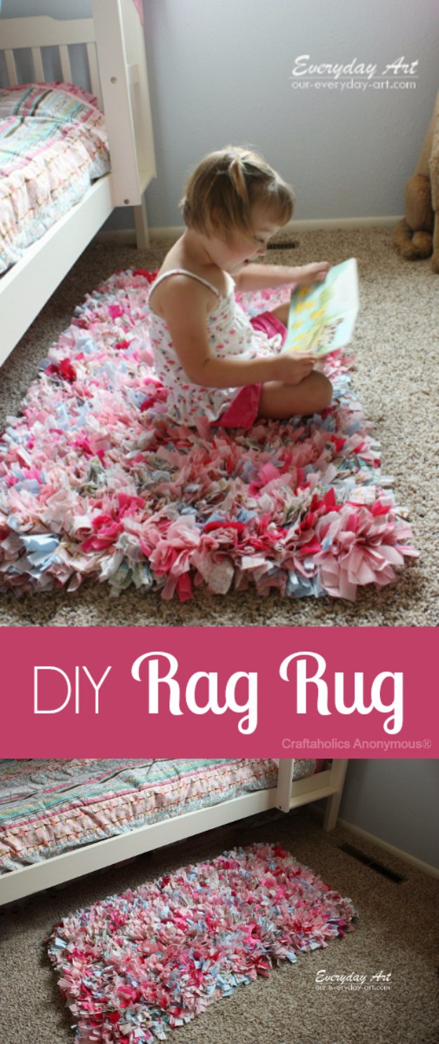 Cool Crafts You Can Make With Fabric Scraps - DIY Rag Rug - Creative DIY Sewing Projects and Things to Do With Leftover Fabric Scrap Crafts #sewing #fabric #crafts