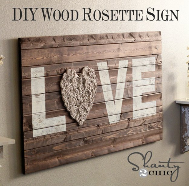 DIY Pallet sign Ideas - DIY Wood Rosette Sign - Upcycled Pallet Art Cool Homemade Wall Art Ideas and Pallet Signs for Bedroom, Living Room, Patio and Porch. Creative Rustic Decor Ideas on A Budget
