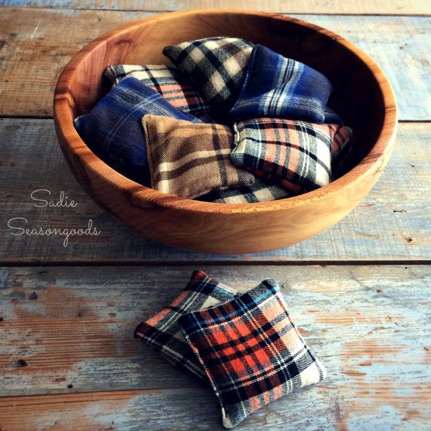 Cool Crafts You Can Make With Fabric Scraps - Flannel Scrap Reusable Hand Warmers - Creative DIY Sewing Projects and Things to Do With Leftover Fabric and Even Old Clothes That Are Too Small - Ideas, Tutorials and Patterns http://diyjoy.com/diy-crafts-leftover-fabric-scraps