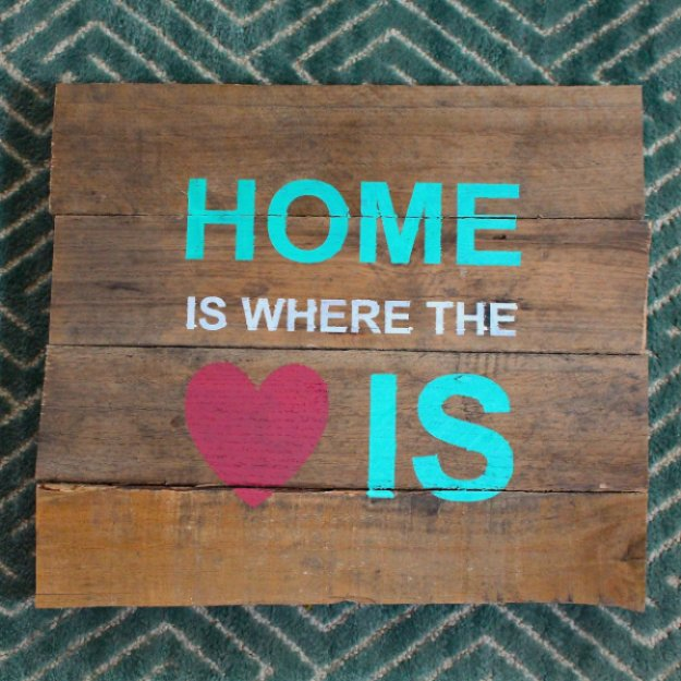 DIY Pallet sign Ideas - Free Cut File Pallet Sign - Upcycled Pallet Art Cool Homemade Wall Art Ideas and Pallet Signs for Bedroom, Living Room, Patio and Porch. Creative Rustic Decor Ideas on A Budget