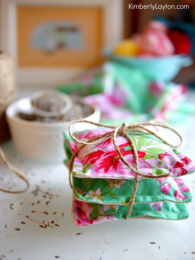 DIY Sewing Gift Ideas for Adults and Kids, Teens, Women, Men and Baby - Lavender Sachets - Cute and Easy DIY Sewing Projects Make Awesome Presents for Mom, Dad, Husband, Boyfriend, Children #sewing #diygifts #sewingprojects