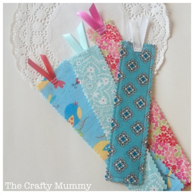 DIY Sewing Gift Ideas for Adults and Kids, Teens, Women, Men and Baby - Lovely Fabric Scrap Bookmarks - Cute and Easy DIY Sewing Projects Make Awesome Presents for Mom, Dad, Husband, Boyfriend, Children #sewing #diygifts #sewingprojects