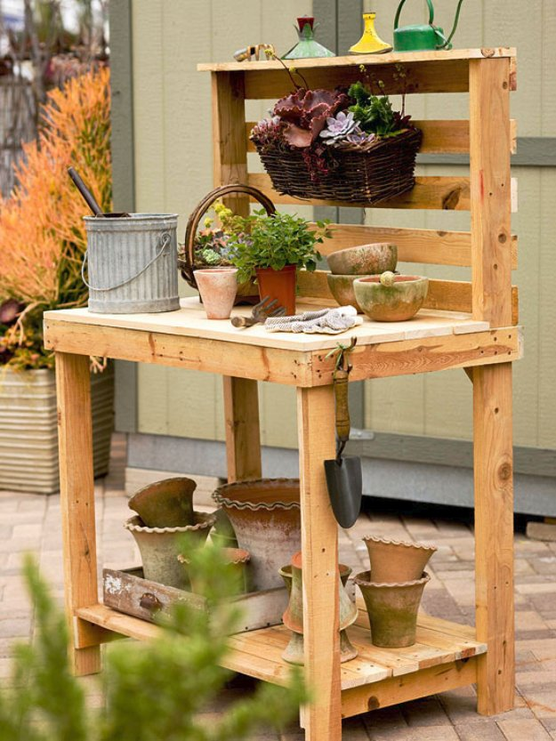 DIY Pallet Furniture Ideas - Pallet Garden Work Bench - Best Do It Yourself Projects Made With Wooden Pallets - Indoor and Outdoor, Bedroom, Living Room, Patio. Coffee Table, Couch, Dining Tables, Shelves, Racks and Benches http://diyjoy.com/diy-pallet-furniture-projects
