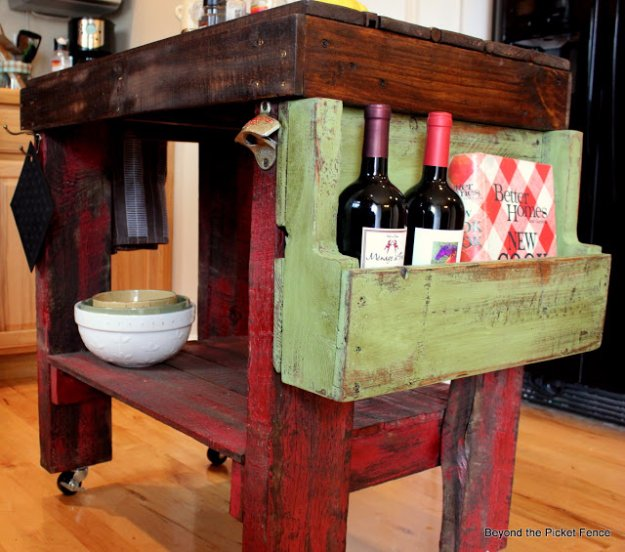 DIY Pallet Furniture Ideas - Pallet Island - Best Do It Yourself Projects Made With Wooden Pallets - Indoor and Outdoor, Bedroom, Living Room, Patio. Coffee Table, Couch, Dining Tables, Shelves, Racks and Benches